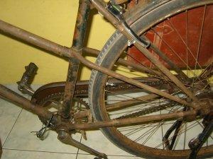 klik memperbesar Rangka sepeda bingung