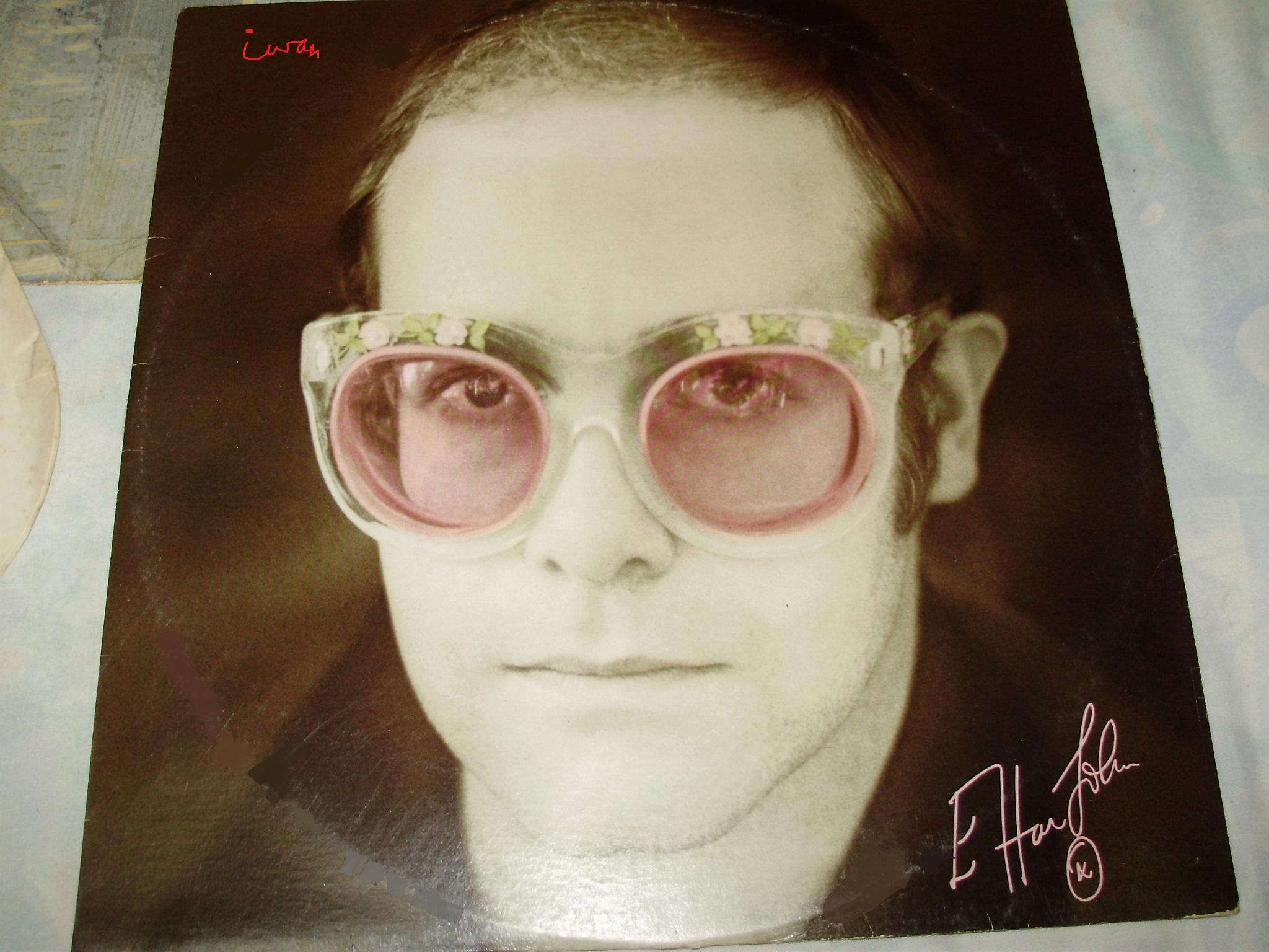 The Vintage Elton John record (piring hitam antik Elton John ...